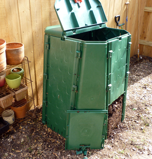 remove compost from easy open bottom door