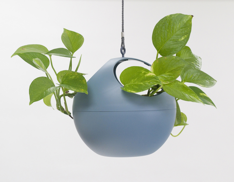 euro hanging planter blue