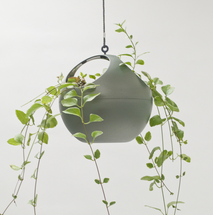 euro hanging planter moss green